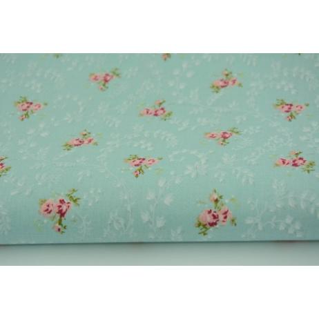 Bawełna 100% A kwiatki na miętowym tle