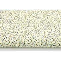 Bawełna 100% łączka, mikro niebieskie kwiatki na kremowym tle