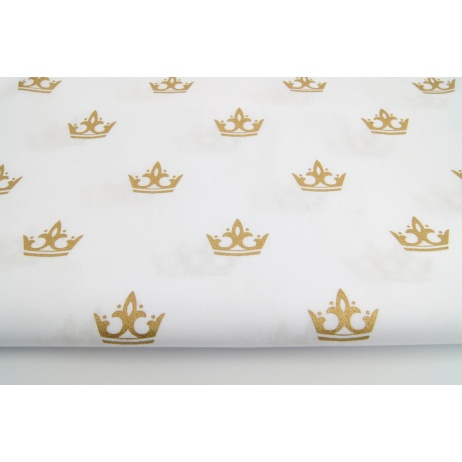 Cotton 100% gold crowns on a white background
