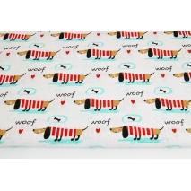 Bawełna 100% jamniki w czerwonych sweterkach na białym tle