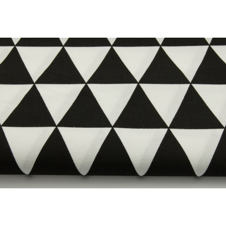 Cotton 100% triangles on a black background