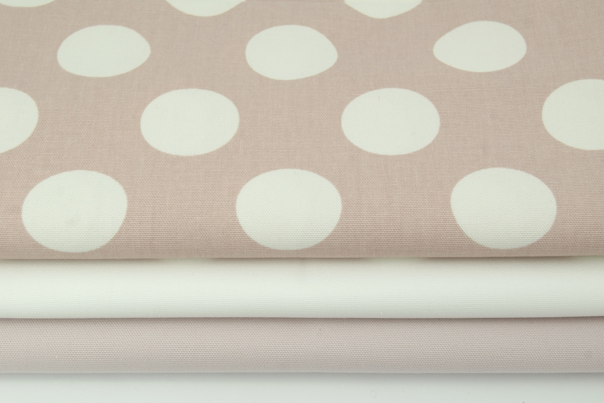 Home Decor Large Polka Dots On A Dirty Pink Background