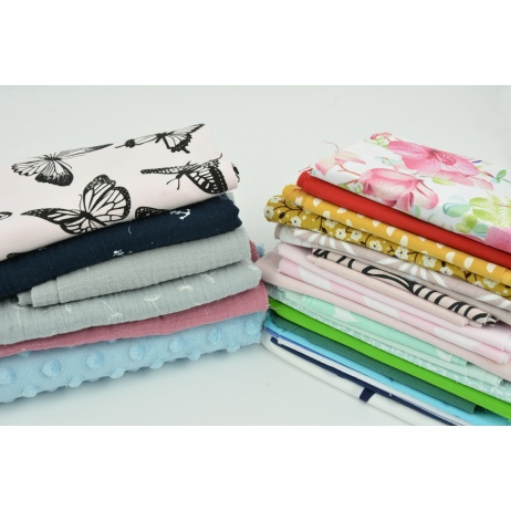 An example set you can get when buying a fabric bundle - surprise (fabric ends)
