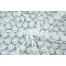 Tiul miękki w róże 3D, biały