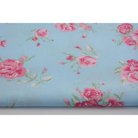 Bawełna 100% różowe kwiaty na niebieskim tle