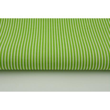 Bawełna zielone s paski 2x1mm na białym tle