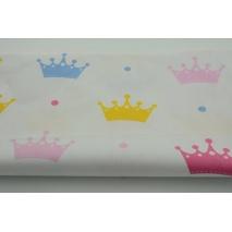Bawełna 100% kolorowe korony na białym tle