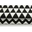 Bawełna 100% w trójkąty na czarnym tle