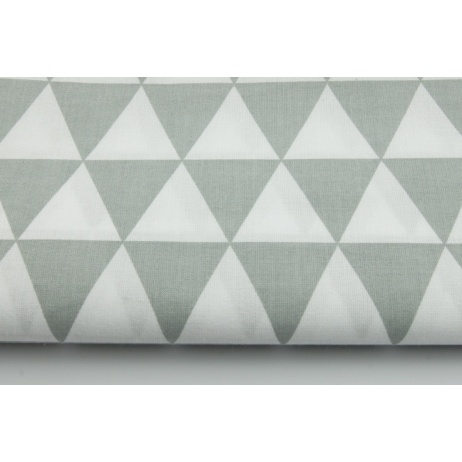 Cotton 100% light gray triangles on a wihite background