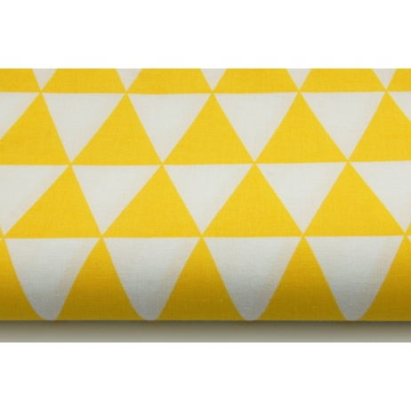 Cotton 100% yellow triangles on a wihite background
