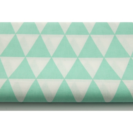 Cotton 100% triangles on a mint 2 background