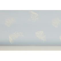 Bawełna 100% białe piórka na błękitnym tle