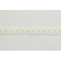 Cotton lace 15mm in an ecru color
